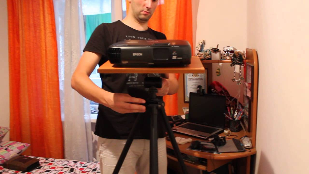 Tripod Projector Stand Velbon Sherpa 200D and Epson EH TW200 pr.20