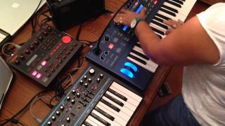 Novation Ultranova + Bass Station 2 + Boss Dr 202 Improv Jam