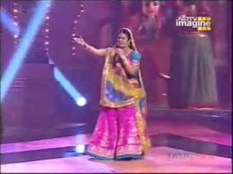 Malini Awasthi-Saiya Mile Larkaiya.flv