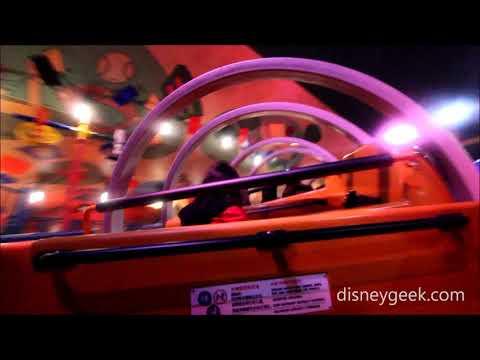 Shanghai Disneyland: Toy Story Land - Slinky Dog Spin (POV Clip)