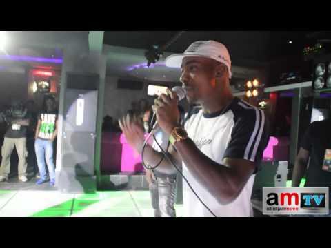 Yabongo Lova Et Dj Mix Font Le Show Au Pink Club