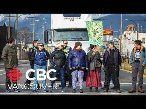 Wet'suwet'en Supporters Block West Coast Express, Vancouver Port