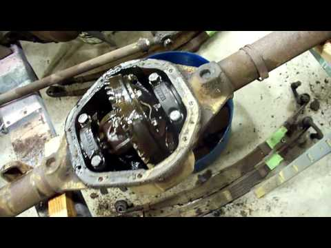 Willys Jeep differential rebuild, rear end disassembly