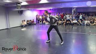 Alex Etkin - Salsa solo performance