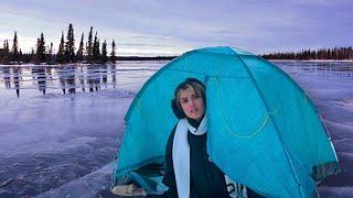 تحدي اعيش يوم كامل  على بحيرة متجمدة | غرقنا😭😱