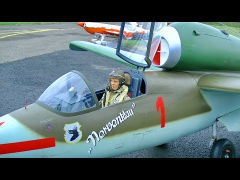 HUGE RC HEINKEL HE-162 VOLKSJÄGER SCALE MODEL TURBINE JET FLIGHT DEMONSTRATION