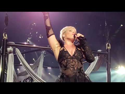 P!nk - Walk Me Home (Beautiful Trauma World Tour, Vancouver)