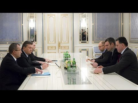 Ukraine: Yanukovych reaches deal to end crisis, France urges caution