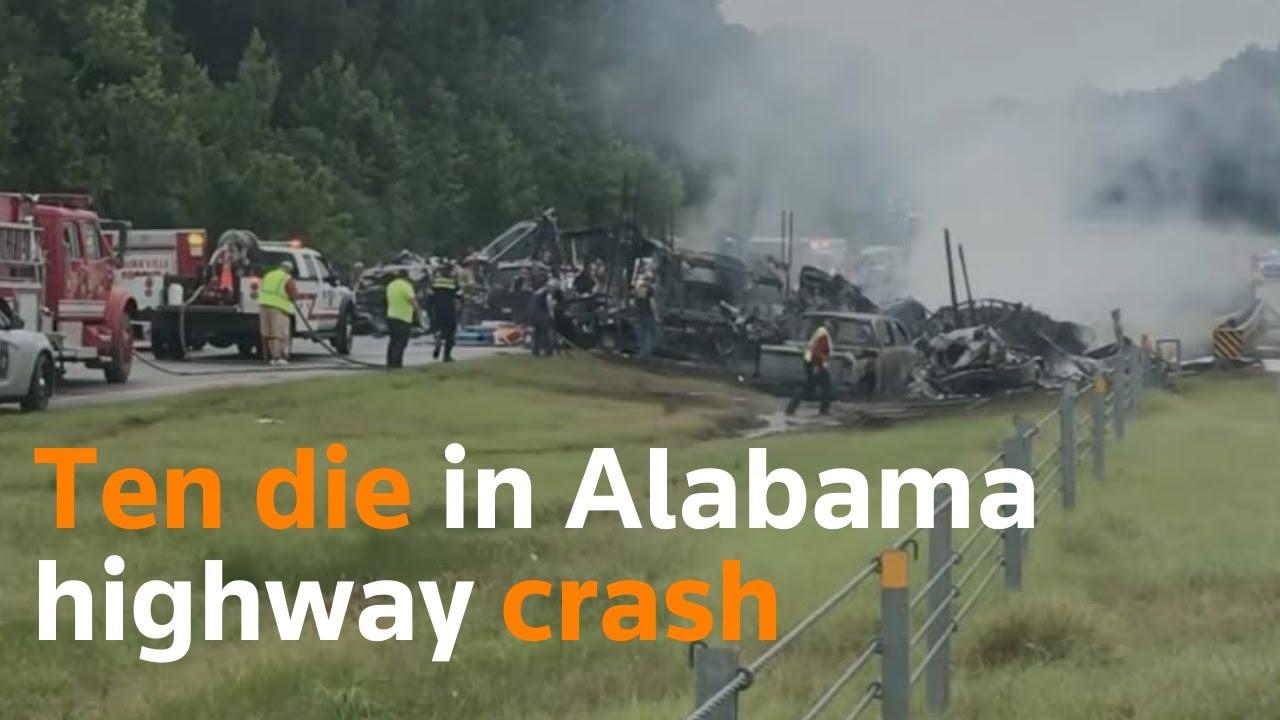Download Ten die in Alabama highway crash