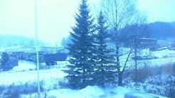 Talvi saapui Halikkoon. Taustalla soi QUEEN , A winter`s tale