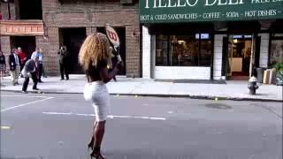 Serena Williams breaks glass cafe セリーナウィリアムズ 検索動画 13