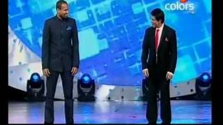 Indiaecho.com - Shahrukh And Yusuf Pathan Dance At Sahara IPL Awards 2010.flv