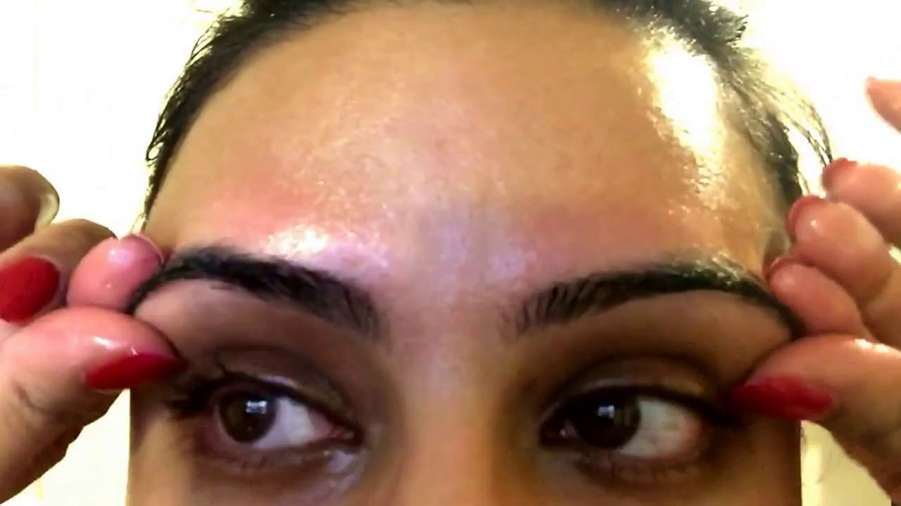 Organic Beauty How To Apply Castor Oil To Your Eyelashes And