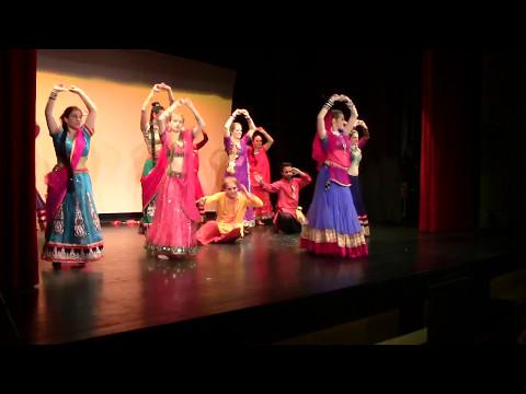 Spettacolo Pace Salam Paz Shanti Mir (saggio di fine corso Eos Trieste) Bollywood Holi Re