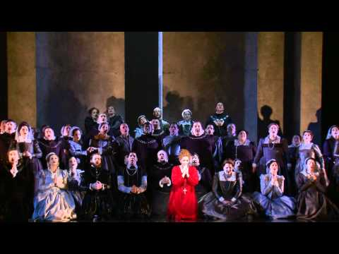 Mary Stuart (Joyce DiDonato) and HGO Chorus