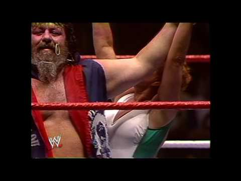 WWE Hall of Fame: Wendi Richter defeats Fabulous Moolah to