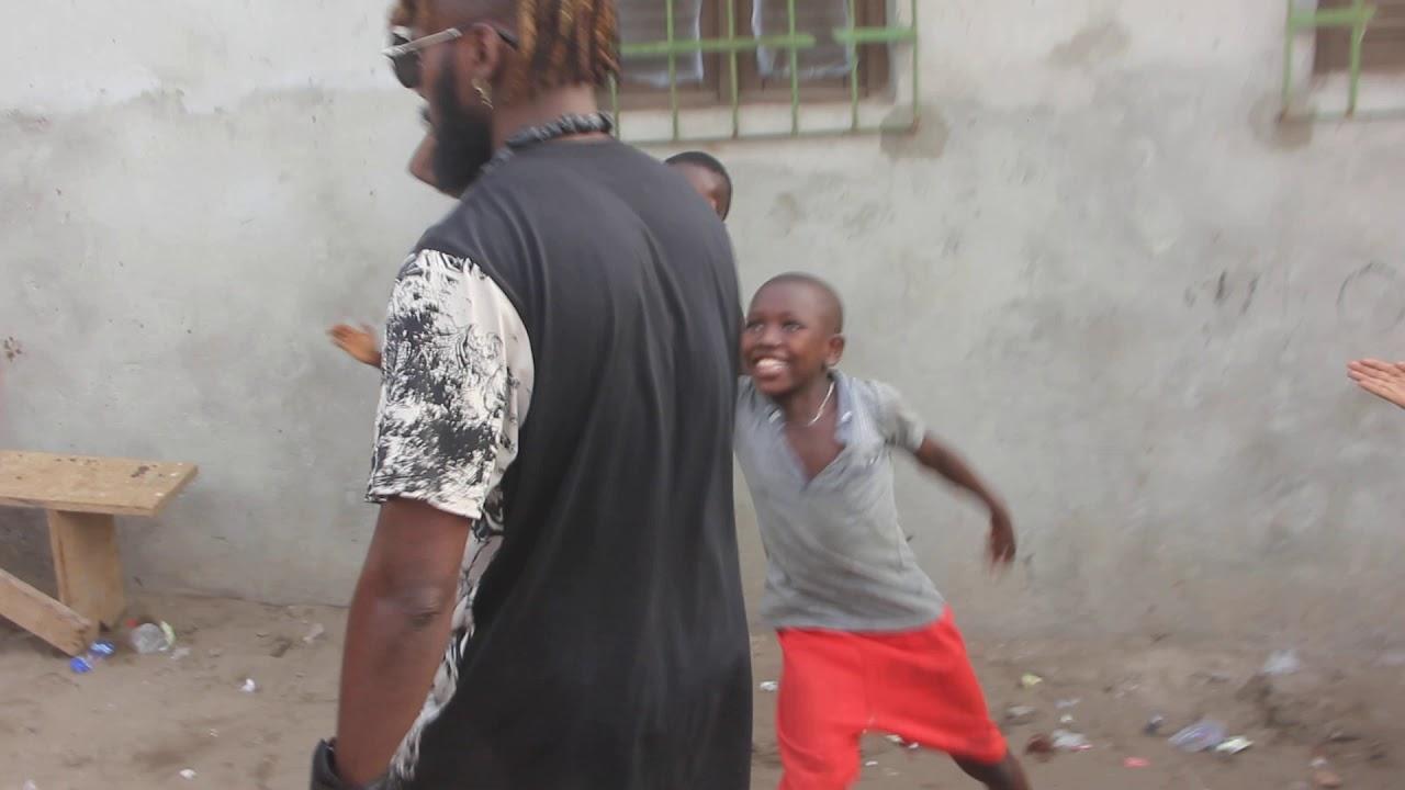 Daishy Junior dit le GboroGboro est en Visite dans la commune de Yopougon
