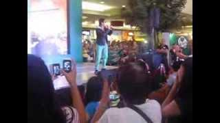 COCO MARTIN singing Umuwi ka na Baby SM Marikina 9-29-13