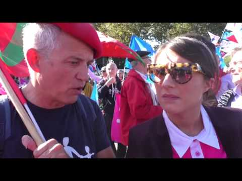 Manif pour Tous 16 oct 2016 - Coming Out