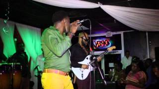 "Klass "" Emmene moi "" live video @ Taboo Bar & Grill ! ( Radiobiznispam.com )"