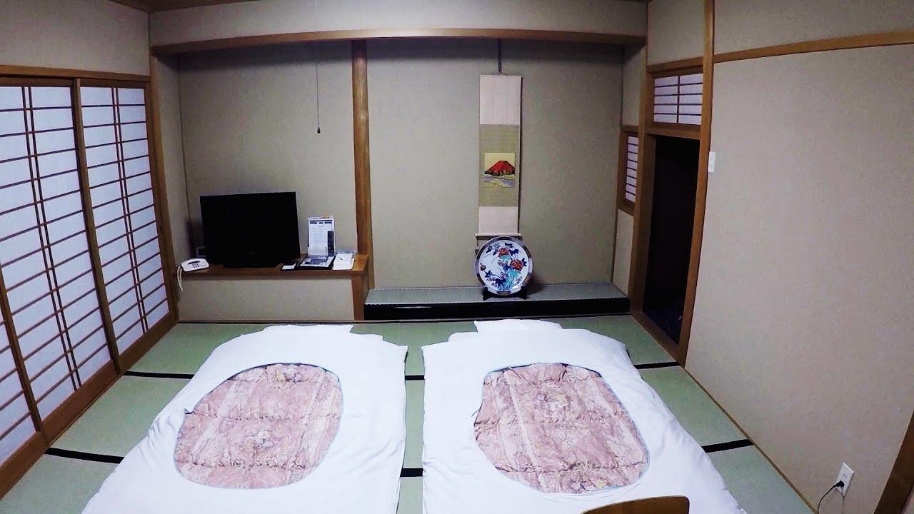 Paura spettri nella stanza tradizionale giapponese a for Stanza giapponese