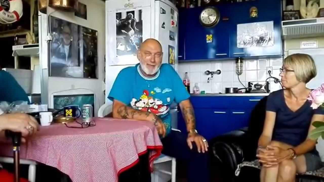 Man Bijt Hond Met Dolle Dries Uit Vlaardingen Youtube