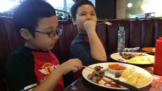 Kevino Makan Holycow Steak..lezaattt