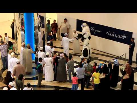 MAXX the Robot Greeting Shoppers in Oman!