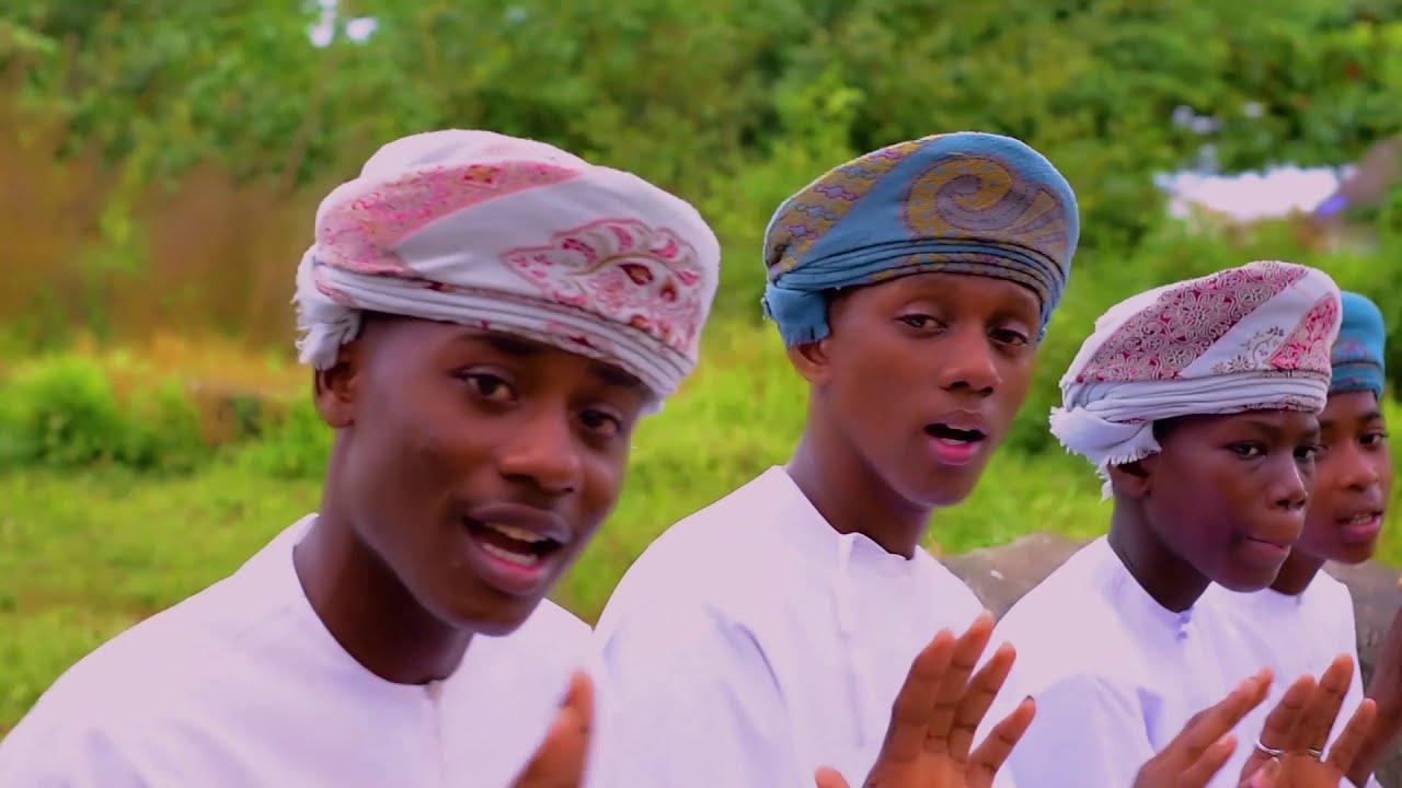 Download QASWIDA YA AHLUL MAKKAH INAYOTAMBA ZANZIBAR | UBAYA WA MAJIRANI (Official Qaswida Video)