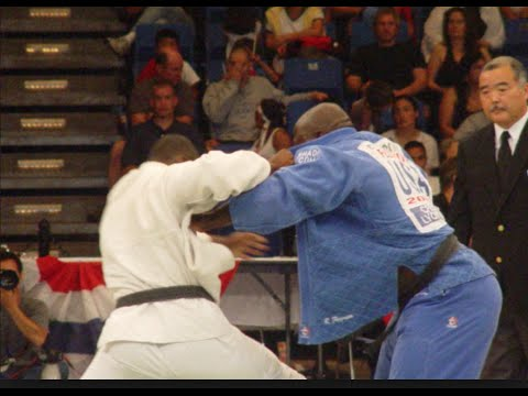 How To Beat The Judo Stiff Arm | Grip Fighting | Beating The Stiff