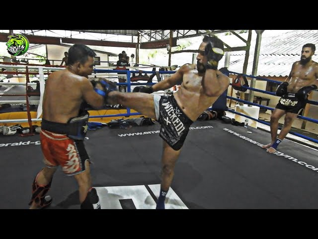 Mohamed Bouchareb on the pads | Emerald Muay Thai gym