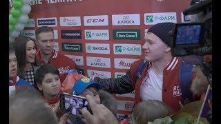 Капризов стал кумиром нации, Нечаевская и Седова - невестами. Олимпийцы вернулись в Москву