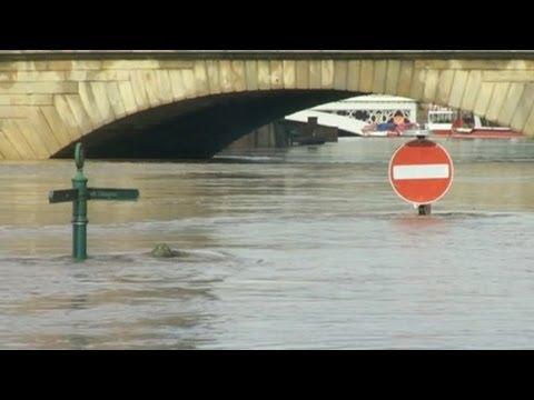 Massive!!.. FLOODS ..Ravage UK - ENGLAND Worst in 30 yrs; River Banks Burst; Death  9.26.12