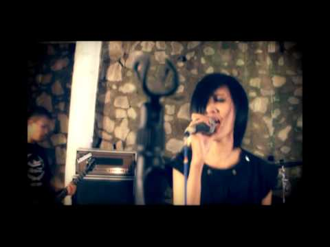 The Frustaters   Teringat Karena Waktu OFFICIAL VIDEO CLIP