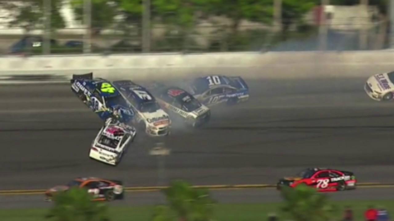 AJ Allmendinger, Chase Elliott trigger massive crash at Talladega