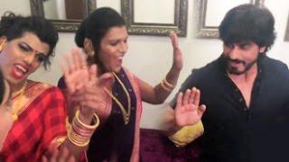 Shah Rukh Khan gate-crashed by Transgender Band | 6-Pack | Y-Films | Fan | Sonu Nigam