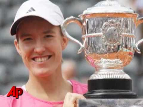 Williams Sisters Lead Charge Into French Open