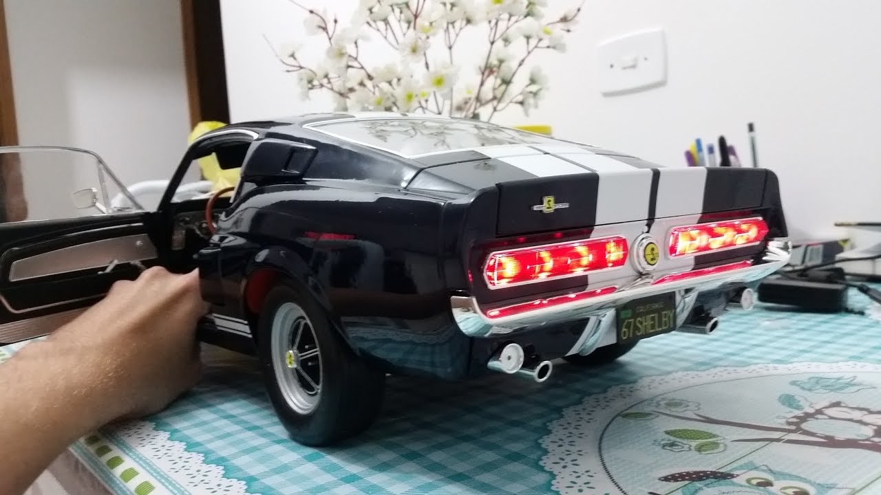 Ford Mustang Gt500 1/8