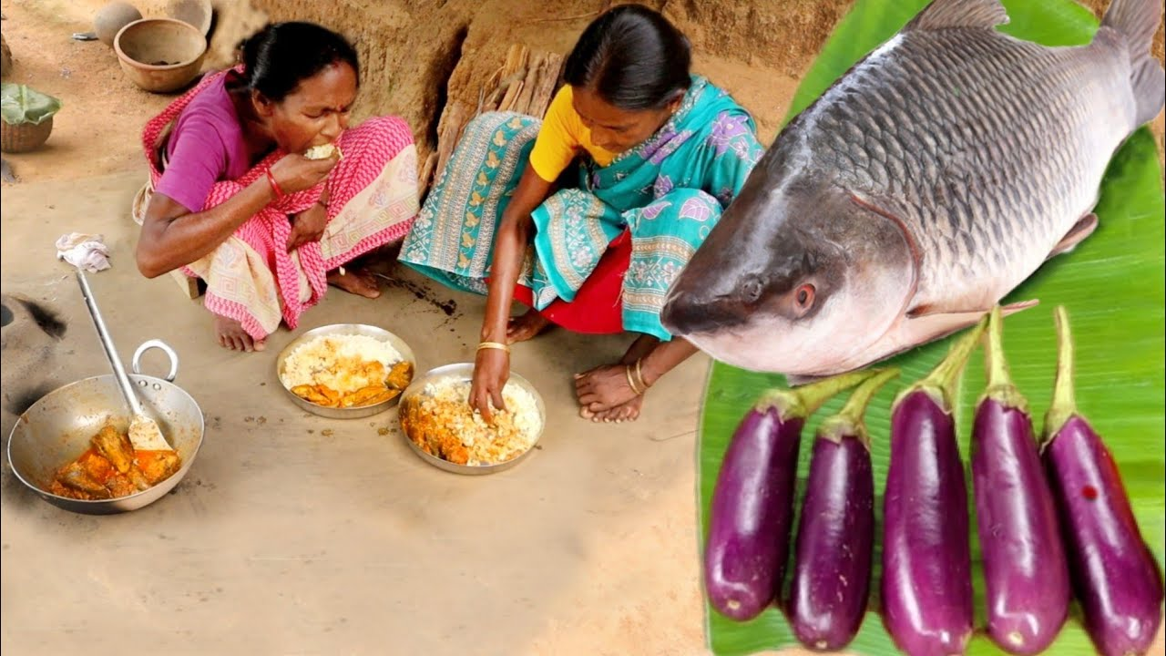 santali grandma cooking ROHU FISH CURRY WITH BRINJAL for their lunch menu || rural village INDIA