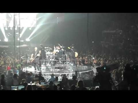 Nickelback singing Rockstar Orlando FL May 4 2012