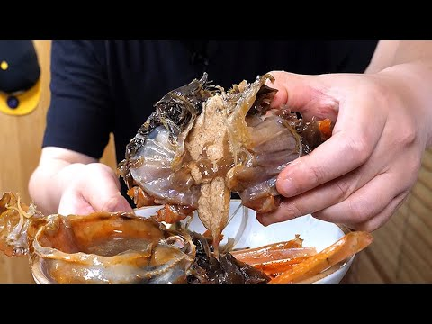korean-style-marinated-crab-in-spicy-soy-sauce.-(korean-food-mukbang-review)-[eng-sub]