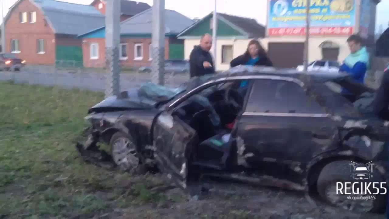 Водитель Toyota Mark II скрылся после ДТП, Омск