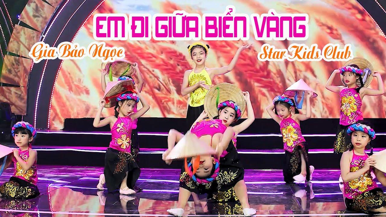 EM ĐI GIỮA BIỂN VÀNG _ Gia Bảo Ngọc - Star Kids Club | Ước Mơ Hồng VTC