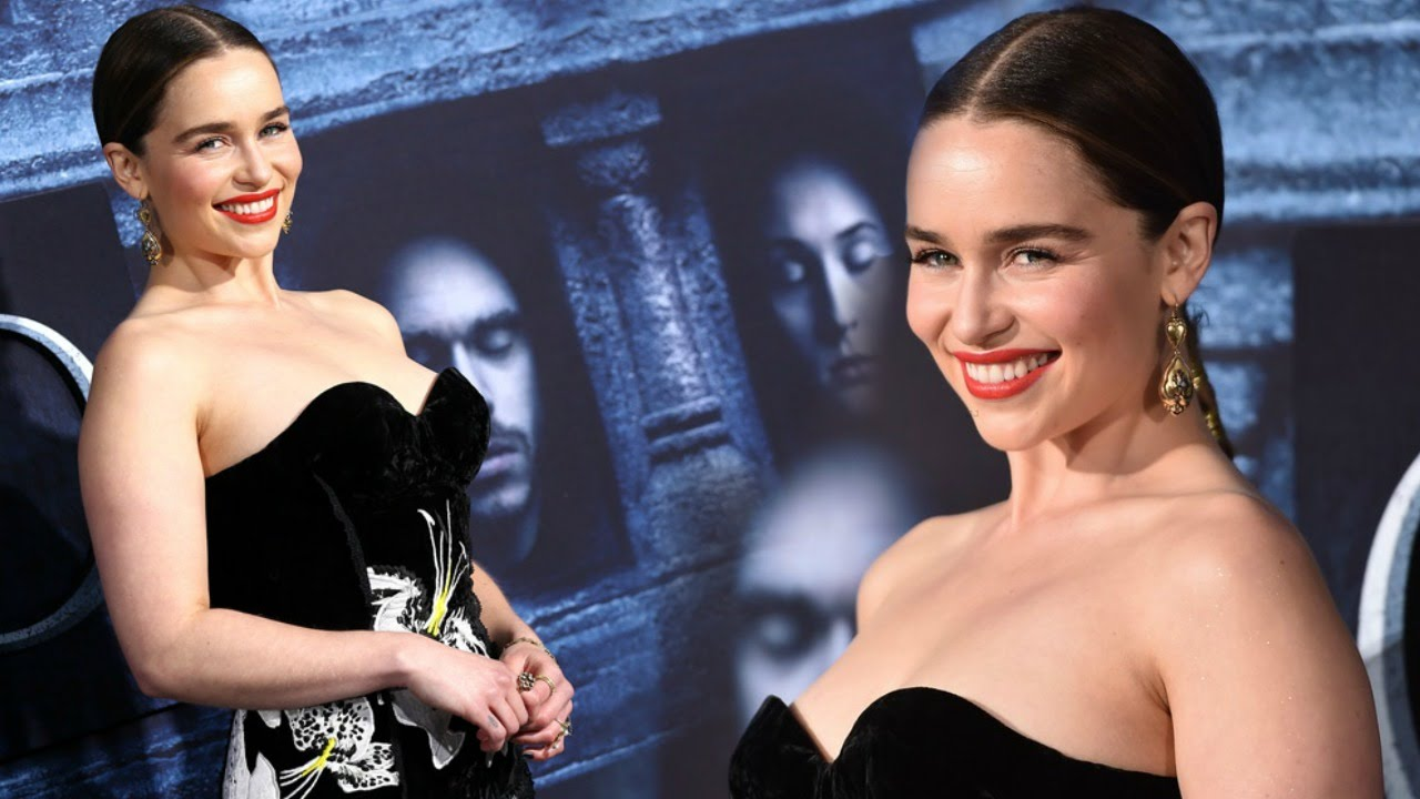 Emilia Clarke Exposed Her BREAST In Strapless Gown At ...
