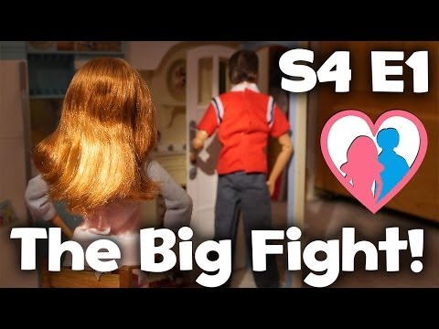 "The Happy Family Show - S4 E1 ""Midge and Alan's Fight"" 