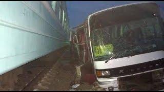 Фото ДТП на переезде в Казахстане водитель автобуса хотел объехать пробку