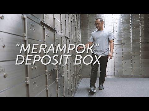 """""""Ngerampok"""" Safe Deposit Box"""