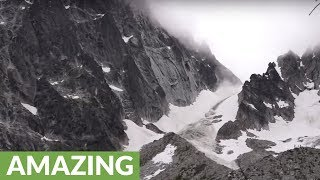 Epic glacier avalanche caught on camera