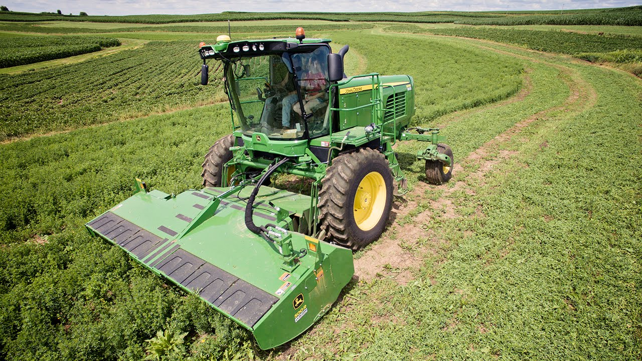 Mowing Hay - Learning to use the John Deere W260 Windrower - Sloan Implement
