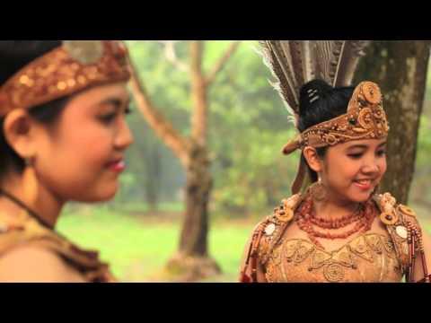 Lagu Dayak Kalimantan Barat (BORNEO MENARI) voc. Fausta & Dhea